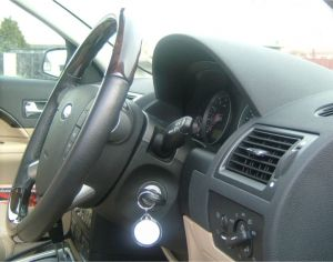 steering%20wheel%20and%20console%20black.jpg
